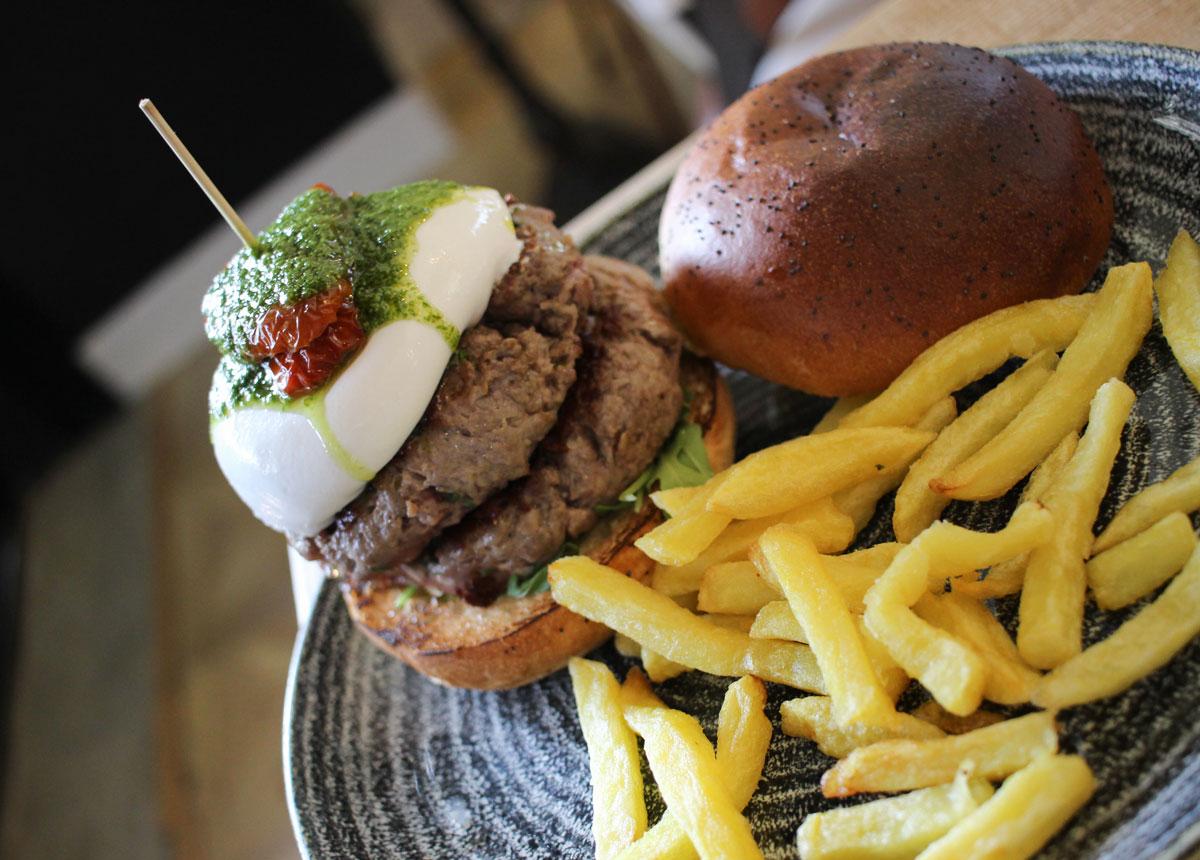 Hamburgesa italiana de Queen Burger