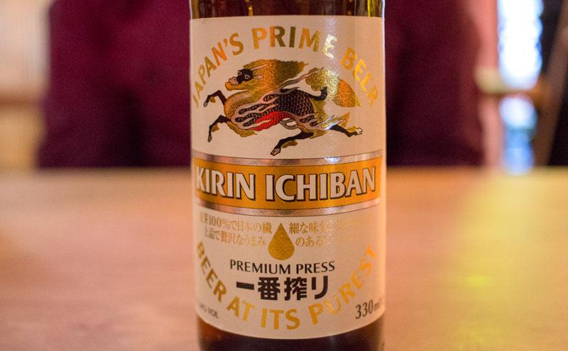 Cerveza en Shifu ramen en Madrid