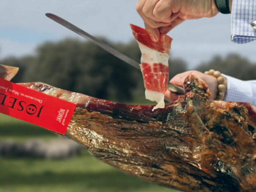 El mejor jamón del mundo cortador