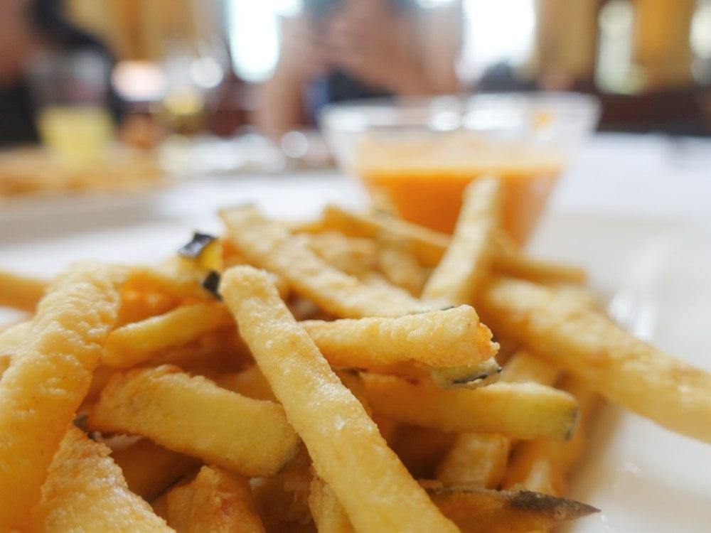Picoteo en el restaurante La Cañada en Boadilla del Monte Madrid