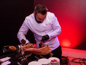 Conociendo los beneficios del jamón en el evento de Joselito