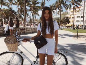 Ideas de cómo combinar una mochila con tu outfit