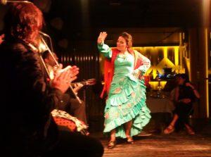 Noches de flamenco y cena en Larios Café en Madrid