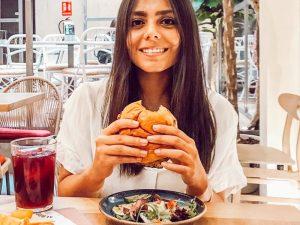 Karime en el restaurante Alboroto de Madrid