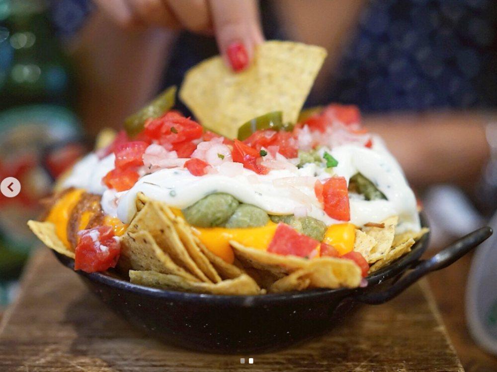 Dónde comer rico y barato en Sol nachos