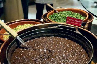 Feijoada del Restaurante Rubaiyat de Madrid frijoles