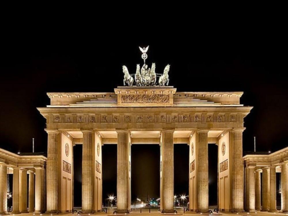 Puerta famosa Berlín