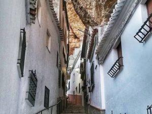 Setenil, uno de los lugares rurales con encanto en España