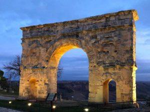 Arco de Medinaceli, uno de los lugares rurales con más encanto en España