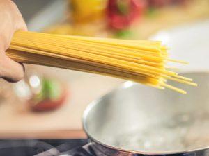 Receta de pasta con salsa de queso azul, spaghetti